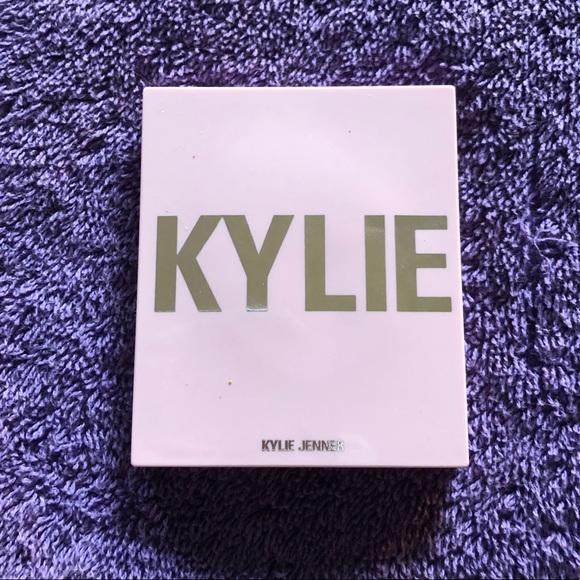 Kylie Cosmetics Pink Power Blush